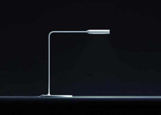 flo-lamp-white-537x382